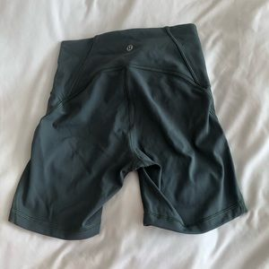 Green Lululemon tight shorts 4